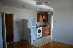 1 BDRM APT AVAILABLE NOW – 44 MAIN STREET