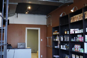 400SF COMMERCIAL OFFICE FOR RENT ALL INCLUDED LAVAL
