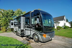 Fully Optioned 2007 Fleetwood Pace Arrow 37c