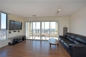 Penthouse 2 Bedroom, 1 Solarium, 1.5 Bathrm, Cooksville Go Stn.