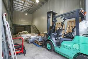 FOR RENT 106m2 INDUSTRIAL SHED/ WAREHOUSE FOREST GLEN Forest Glen Maroochydore Area Preview