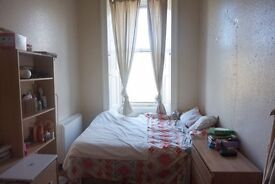 Double bedroom available in a three bedroom flat
