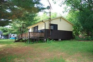 Newboro Lake Classic Cottage!