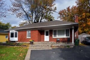 Fully renovated bungalow in prime Dorval South