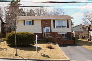 OPEN HOUSE SUNDAY 7 MAY 2-4 PM  24 CRANBERRY CR.