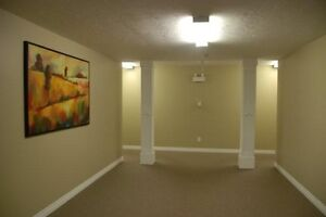 **Free Internet Included** & *Washer & Dryer Included* 381-3333