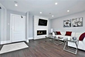 Fabulous,Newly Renovated 3 bedroom corner suite in Richmond Hill