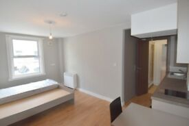 AMAZING STUDIO!! SEPARATE KITCHEN, BEDROOM AND BATHROOM! NEWLY REFURBISHED! 7 MINS FROM **TOTTENHAM*