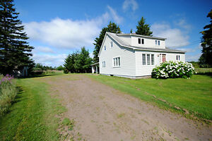 3611 Rte 134, Shediac Cape - 4 Bedroom minutes from Parlee Beach