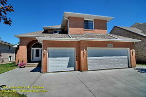 Southwood Lakes 2 storey home  5+1 bedroom 4.5 baths