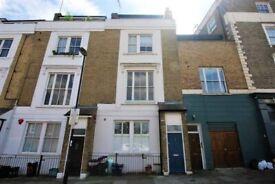 A stunning, light 2 double bedroom 2 bathroom split level flat in excellent Islington location
