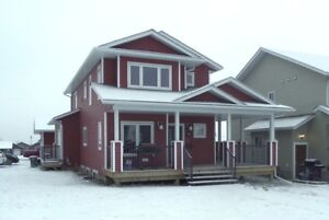 Dawson Creek - Executive house - 4BR  - fully furnished