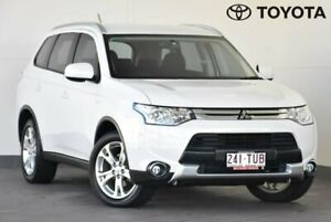 2014 Mitsubishi Outlander ZJ ES White Constant Variable Indooroopilly Brisbane South West Preview