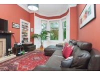 Spacious 2 bedroom traditional flat in Bruntsfield available October