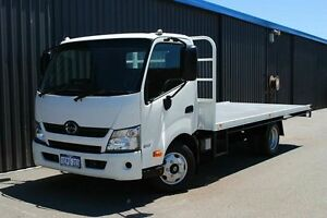 2013 Hino 300 617 Medium White Flat Deck 4.0l 4x2 Maddington Gosnells Area Preview