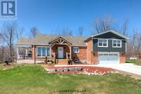 Beautiful country home in mount brydges