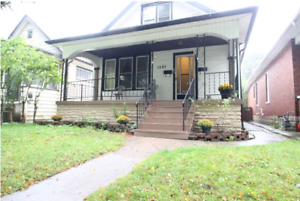 JUST LISTED!   WALKERVILLE DUPLEX !    ATTN: INVESTORS!!