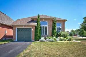 Collingwood-Beautifully Maintained Brick Bungalow-Sept 1st