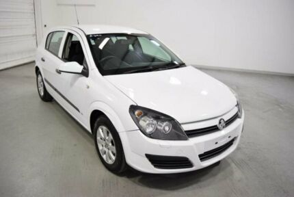 2005 Holden Astra AH CD White 5 Speed Manual Hatchback Moorabbin Kingston Area Preview