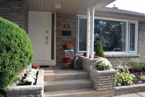 OPEN HOUSE TODAY> Updated North-End Bungalow >Oct 22nd 2-4PM