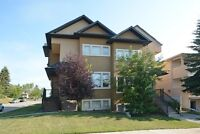 ***New Listing*** Gorgeous Inner City 3 Bedroom TownHouse!!