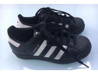 adidas black & white superstar unisex junior (size 3)