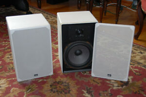 Denon Compact Stereo System D-200, incl. ADS L440e Speakers Peterborough Peterborough Area image 4