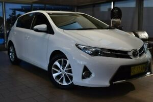2015 Toyota Corolla ZRE182R Ascent Sport S-CVT White 7 Speed Constant Variable Hatchback Belconnen Belconnen Area Preview