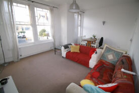 SPACIOUS 3 DOUBLE BEDROOM FLAT mins from MUSWELL HILL and HIGHGATE STATION