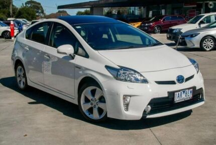 2013 Toyota Prius White Constant Variable Liftback