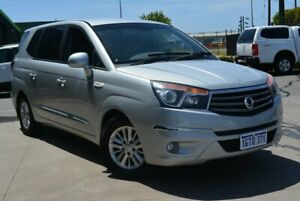 2015 Ssangyong Stavic A100 MY13 Silver 5 SP AUTOMATIC Wagon