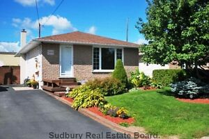 NEW LISTING IN CHELMSFORD***  NOTHING TO DO BUT MOVE IN!