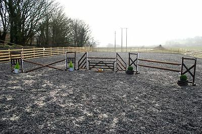 Set of 3 WORKING HUNTER SHOW JUMPS WITH POLES, CUPS & HANGING GATE