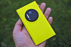Lumia 1020 yellow with case brand new battery unlocked