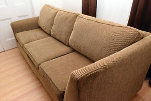 "Classic Comfy Couch / Sofa in Excellent Condition. 91"" long"