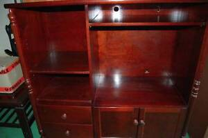 DARK STAINED TV ENTERTAINMENT UNIT SOLD PENDING COLLECTION Carindale Brisbane South East Preview