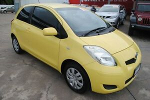 2009 Toyota Yaris NCP90R MY09 YR Yellow 5 Speed Manual Hatchback Townsville Townsville City Preview