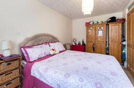 Beautiful 3Bed apartment in Woolwich MASSIVE GARDEN and Lounge