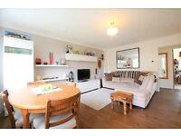 2 bedroom flat in Wandle Road, Morden, SM4