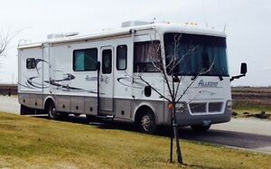 2002 Tiffin Allegro 33 ft. Motorhome with handicap chair lift