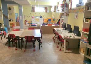 LAVAL Garderie BILINGUE Milieu Familial Daycare Space
