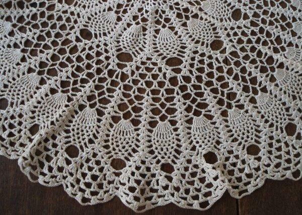 "True Vintage Pineapple Crochet Lace Centerpiece Doily Large Topper Ecru 27"""