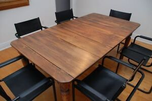Table en Pin Antique Table
