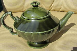 Olive Green TEA POT by ELGREAVE MARLBRO