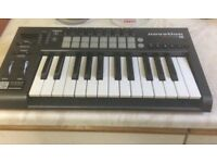 Novation Launchkey 25 Midi Controller