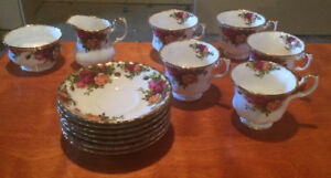 Royal Albert Fine Bone China - Old Country Roses