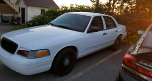Crown victoria 2010 police pack !!!! Nego