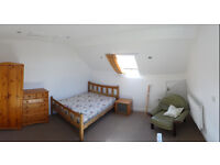 Two Rooms in Newly renovated house, with large rooms Close to Town Centre