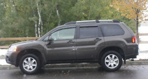 2011 Mitsubishi Endeavor AWD Low Km