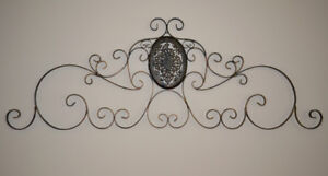 Like New Large Wrought iron Indoor/outdoor wall art decor Grille